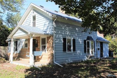 Perrysburg Single Family Home For Sale: 143 W 6th Street