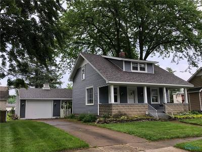 Ottawa Hills, Monclova, Oregon, Rossford, Swanton, Berkey, Metamora, Lyons, Whitehouse, Waterville Single Family Home For Sale: 24 Pennsylvania Avenue
