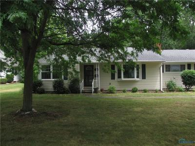 Perrysburg Single Family Home For Sale: 867 Pine Street