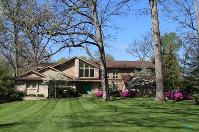 Toledo Single Family Home Contingent: 5141 Corey Road