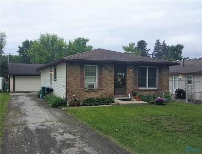 Ottawa Hills, Monclova, Oregon, Rossford, Swanton, Berkey, Metamora, Lyons, Whitehouse, Waterville Single Family Home For Sale: 2722 Portland Street