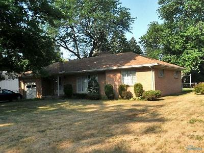Toledo Single Family Home For Sale: 2701 Emmick Drive