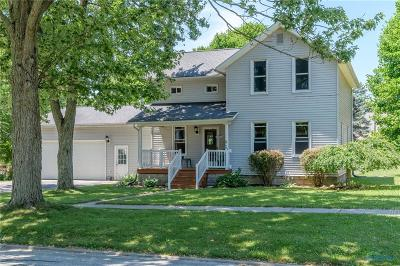 Single Family Home For Sale: 433 Maple Street
