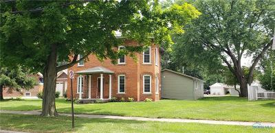 Single Family Home For Sale: 202 Adrian Street