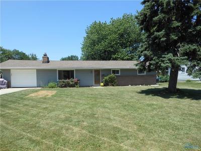 Ottawa Hills, Monclova, Oregon, Rossford, Swanton, Berkey, Metamora, Lyons, Whitehouse, Waterville Single Family Home For Sale: 2941 Seaman Street
