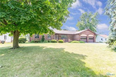 Ottawa Hills, Monclova, Oregon, Rossford, Swanton, Berkey, Metamora, Lyons, Whitehouse, Waterville Single Family Home For Sale: 146 Taylor Road