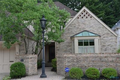 Ottawa Hills, Monclova, Oregon, Rossford, Swanton, Berkey, Metamora, Lyons, Whitehouse, Waterville Single Family Home For Sale: 44 Exmoor