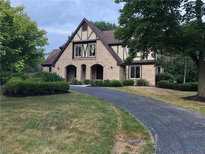Ottawa Hills, Monclova, Oregon, Rossford, Swanton, Berkey, Metamora, Lyons, Whitehouse, Waterville Single Family Home For Sale: 3004 Avatar Court