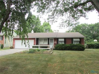 Perrysburg Single Family Home For Sale: 805 Maple Street