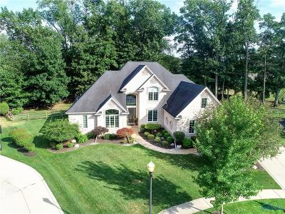 Maumee Single Family Home Contingent: 7717 Forest Creek Court