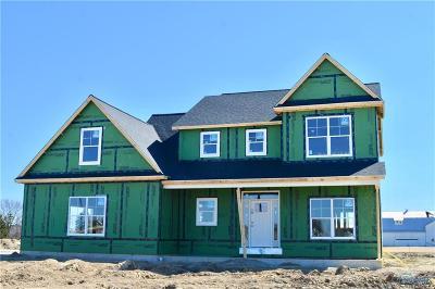 Ottawa Hills, Monclova, Oregon, Rossford, Swanton, Berkey, Metamora, Lyons, Whitehouse, Waterville Single Family Home For Sale: 8461 Glen Creek Street
