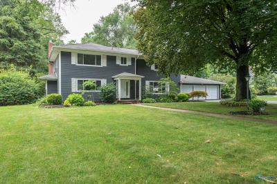 Ottawa Hills, Monclova, Oregon, Rossford, Swanton, Berkey, Metamora, Lyons, Whitehouse, Waterville Single Family Home For Sale: 3563 Edgevale Road