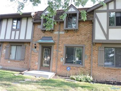 Maumee Condo/Townhouse For Sale: 6481 Garden Road