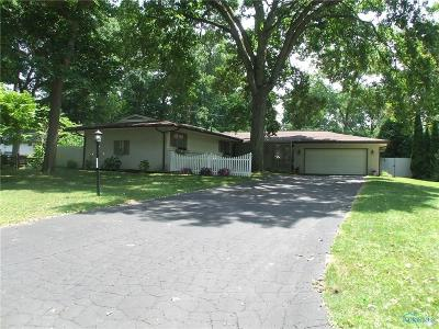 Toledo Single Family Home Contingent: 4314 Old Saybrook Drive