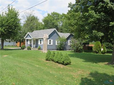 Perrysburg Single Family Home For Sale: 4092 Fremont Pike