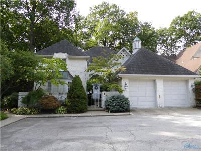 Ottawa Hills, Monclova, Oregon, Rossford, Swanton, Berkey, Metamora, Lyons, Whitehouse, Waterville Single Family Home For Sale: 23 Exmoor