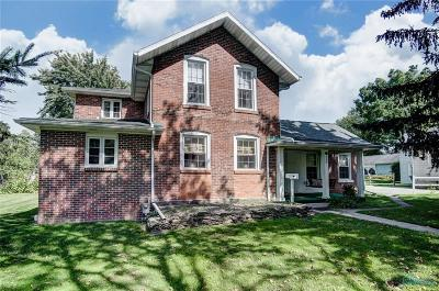 Perrysburg Single Family Home For Sale: 499 Hickory Street