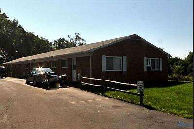 Toledo Multi Family Home For Sale: 3233 Dorian Court