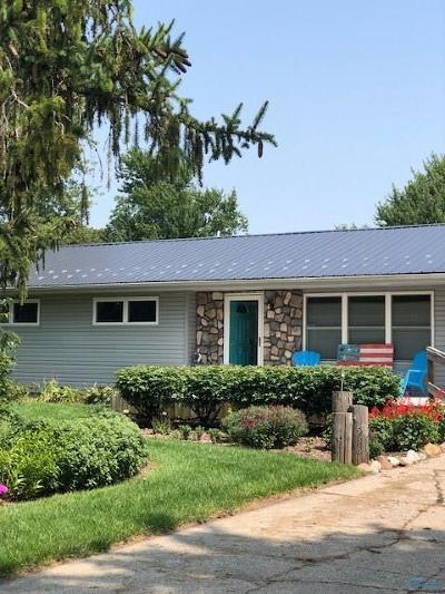 Perrysburg Single Family Home Contingent: 536 Nora Drive