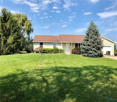 Perrysburg Single Family Home For Sale: 2712 Recker Road