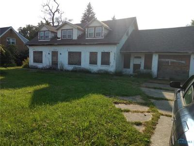 Toledo Single Family Home For Sale: 6015 Lewis Avenue