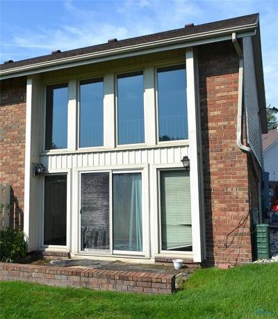 Maumee Condo/Townhouse For Sale: 6818 Fenwyck Road #15