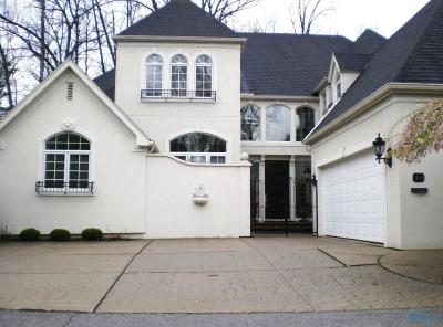 Ottawa Hills, Monclova, Oregon, Rossford, Swanton, Berkey, Metamora, Lyons, Whitehouse, Waterville Single Family Home For Sale: 40 Exmoor