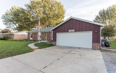 Ottawa Hills, Monclova, Oregon, Rossford, Swanton, Berkey, Metamora, Lyons, Whitehouse, Waterville Single Family Home For Sale: 120 Oak Street
