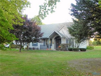 Grand Rapids Single Family Home For Sale: 8201 Woodbrier Lane