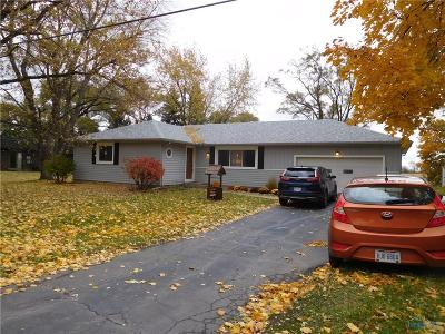Perrysburg Single Family Home For Sale: 6891 William Drive
