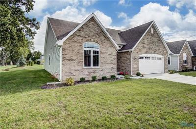Maumee Single Family Home For Sale: 200 River Bend Lane