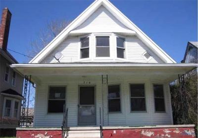 Toledo Single Family Home For Sale: 716 Boalt Street
