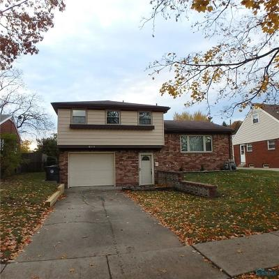 Toledo Single Family Home For Sale: 6111 Foth Drive