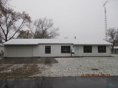 Walbridge OH Single Family Home For Sale: $72,000