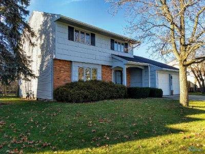 Single Family Home Sold: 26973 Oakmead Drive