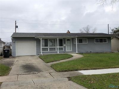 Maumee Single Family Home Contingent: 1105 Village Trail Drive