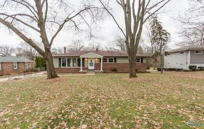 Rossford Single Family Home For Sale: 615 Marilyn Drive
