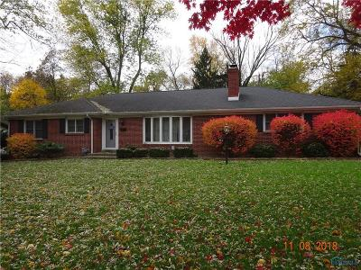 Toledo Single Family Home For Sale: 2317 Valley Brook Drive