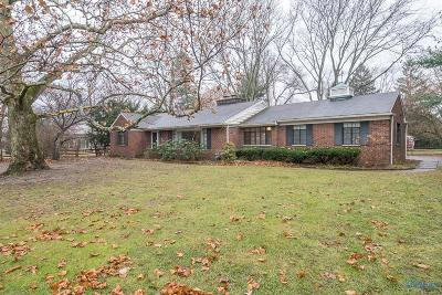 Ottawa Hills, Monclova, Oregon, Rossford, Swanton, Berkey, Metamora, Lyons, Whitehouse, Waterville Single Family Home For Sale: 3045 Talmadge Road