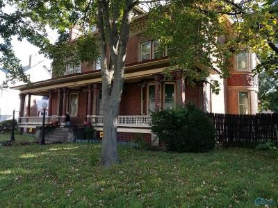Toledo Single Family Home For Auction: 2256 Collingwood Boulevard