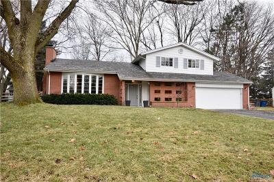 Perrysburg Single Family Home Contingent: 128 Cranden Drive