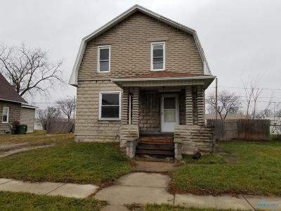 Maumee Single Family Home For Sale: 215 E William