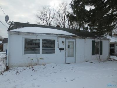 Toledo Single Family Home For Sale: 5231 Sanders Drive
