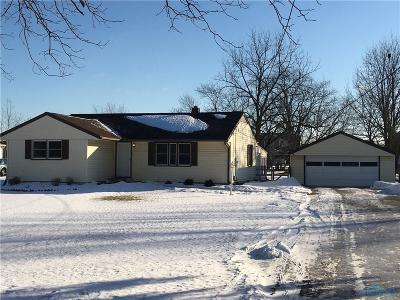 Perrysburg Single Family Home Contingent: 26736 Fort Meigs Road
