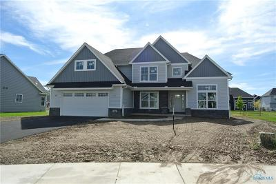 Perrysburg Single Family Home For Sale: 308 Cornerstone Ct