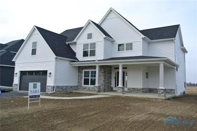 Perrysburg Single Family Home For Sale: 5 Winfield Manor Court