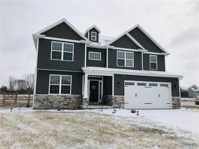 Waterville Single Family Home Contingent: 822 River Lake Court