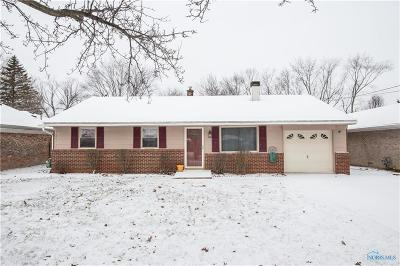 Maumee Single Family Home Contingent: 4370 Carney Drive