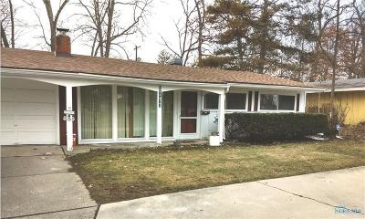 Toledo Single Family Home For Sale: 3711 Lincolnshire Woods Road