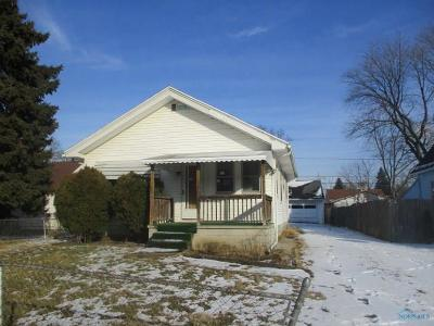 Toledo Single Family Home For Sale: 3714 Wallace Boulevard